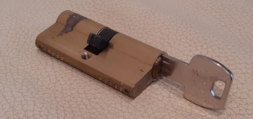 A barrel lock